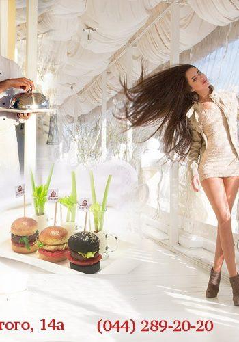 Катя Мирецкая в рекламе ресторана Марио Киев